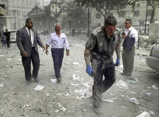 W akcji ratowniczej po ataku na Nowy Jork wzięło udział około 60 tysięcy ludzi /AFP
