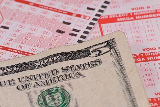 W amerykańskiej loterii Mega Millions padła druga w historii najwyższa wygrana - 636 mln dolarów /©123RF/PICSEL