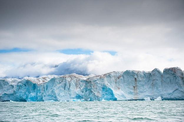 W Arktyce znajdują się bogate pokłady ropy fot. Martin Bureau /AFP
