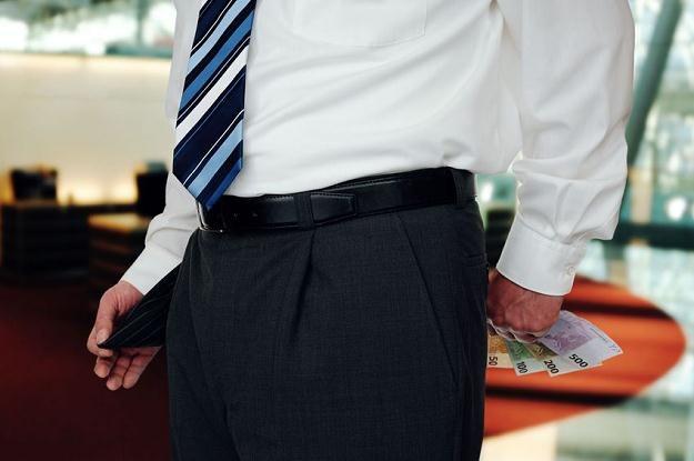 W bankach rosną marże kredytów i wymagania /©123RF/PICSEL