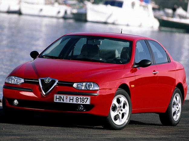 W benzynowych silnikach Alfa Romeo TS interwały warto skrócić do 50 tys. km. /Alfa Romeo