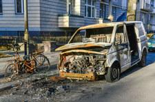 W Berlinie masowo płoną samochody