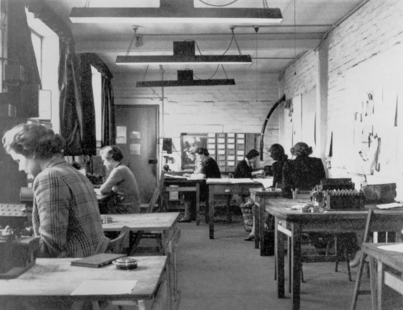 """W Bletchley Park znajdowało się centrum brytyjskich kryptologów. To tu, dzięki złamanym przez Polaków kodom, odszyfrowywano depesze z """"Enigmy"""" / EAST NEWS/SSPL /East News"""