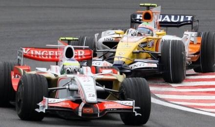 W bolidach Force India nie będzie już silników Ferrari /AFP