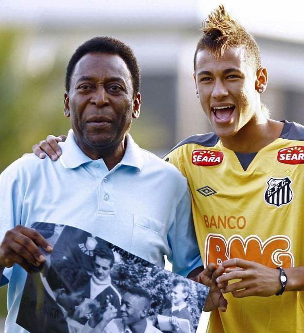 W Brazylii wierzą, że Neymar może być długo oczekiwanym następcą Pelego (z lewej) /AFP