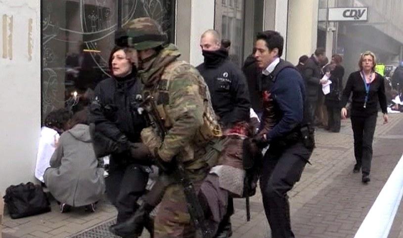 W Brukseli zginęło ponad 30 osób. Kilkaset jest rannych /PAP/EPA