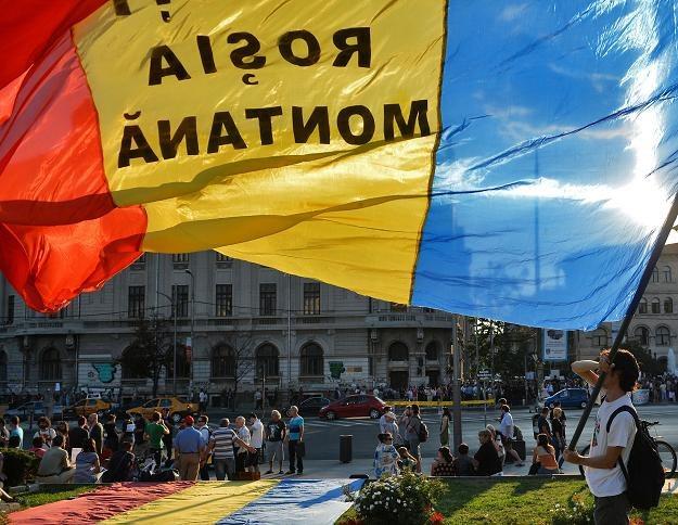 W Bukareszcie protestowano przeciwko budowie kopalni przez Kanadyjczyków /AFP