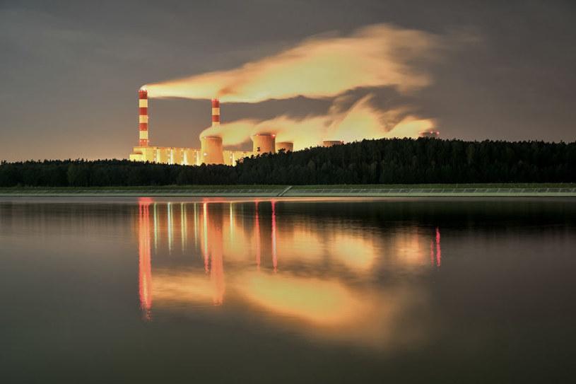 W Chinach mają ciekawy pomysł na palenie w elektrowniach /123RF/PICSEL