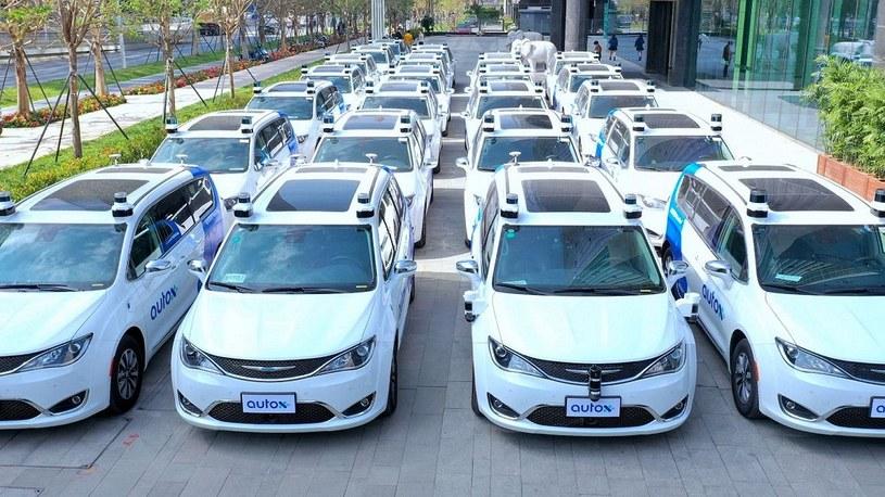 W Chinach po drogach jeżdżą już pierwsze w pełni autonomiczne taksówki [FILM] /Geekweek