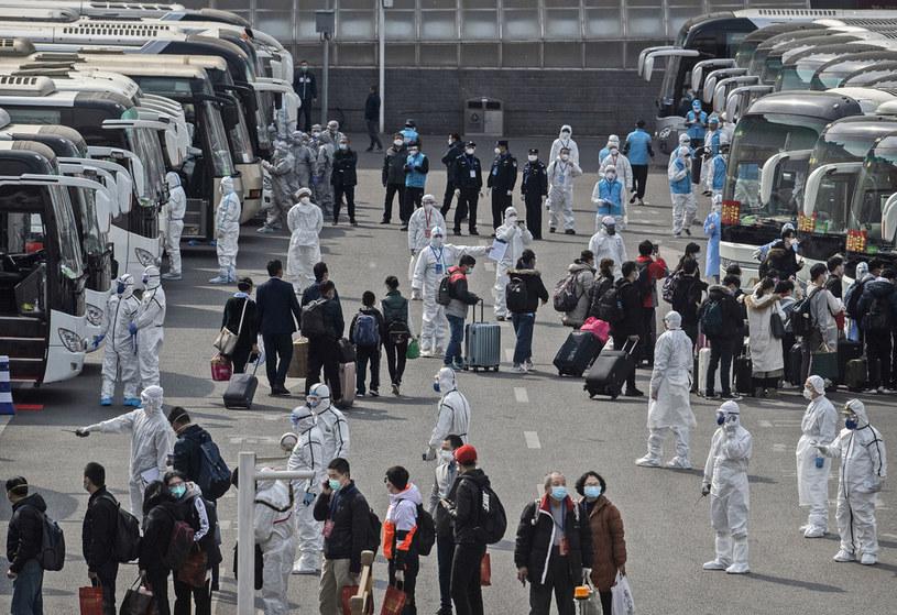 W Chinach rośnie obawa przed drugą falą epidemii /Kevin Frayer /Getty Images