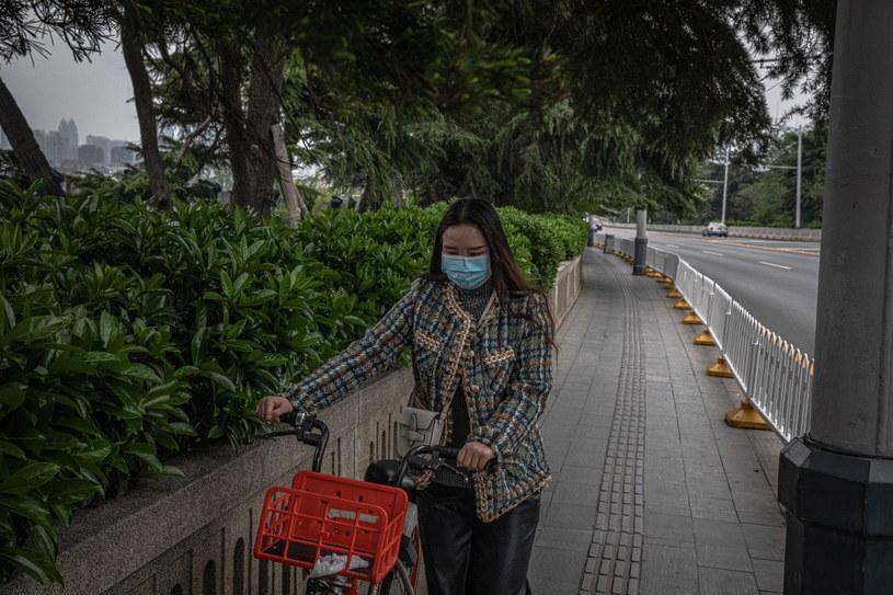 W Chinach wciąż istnieje duże ryzyko odrodzenia się epidemii. /ROMAN PILIPEY /PAP/EPA