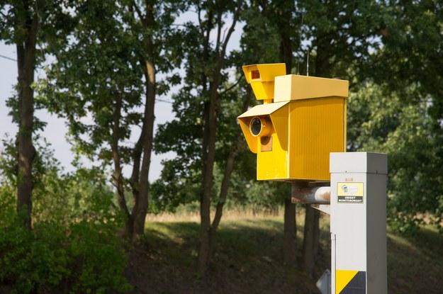 W ciągu dwóch lat na wszystkich polskich drogach pojawi się 358 nowych urządzeń rejestrujących wykroczenia /Wojciech Stróżyk /Reporter