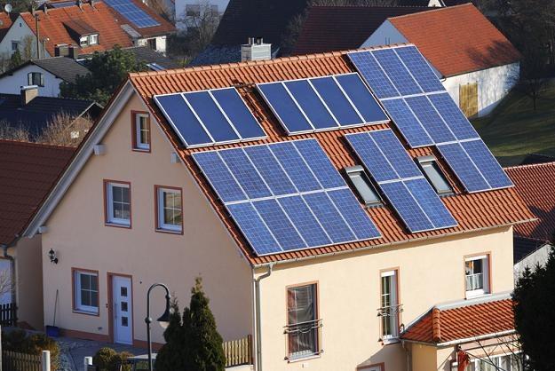W ciągu dziewięciu lat branża energii solarnej zgarnie 30 mld złotych /© Panthermedia