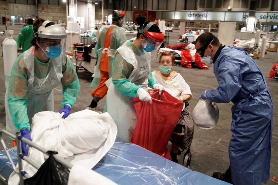 W ciągu ostatniej doby zanotowano w Hiszpanii 849 nowych przypadków śmiertelnych z powodu koronawirusa /MADRID REGIONAL PRESIDENCY HANDOU /PAP/EPA