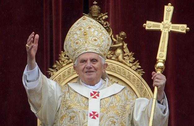 W ciągu tygodnia Benedykt XVI przewodniczył 8 mszom i nabożeństwom /AFP