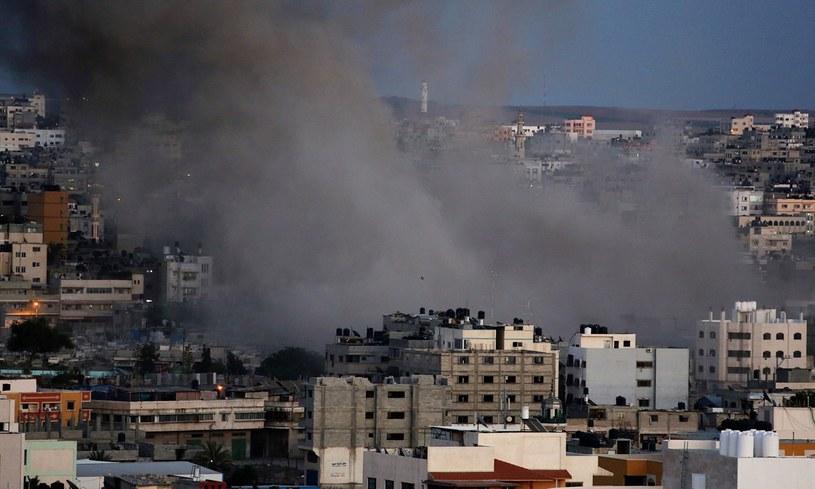 W ciągu tygodnia z terytorium Strefy Gazy wystrzelono w kierunku Izraela ponad 800 rakiet. /MOHAMMED SABER  /PAP/EPA
