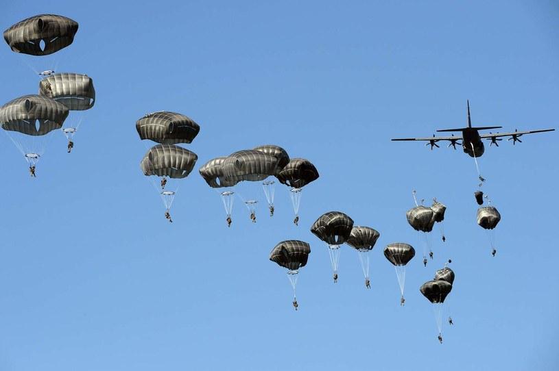 """W ćwiczeniach """"Anakonda 2016"""", przeprowadzonych na terenie Polski, wzięło udział ponad 30 tys. żołnierzy z 18 państw NATO /Janek Skarżyński /AFP"""
