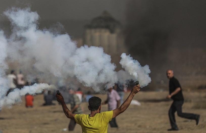 W czasie protestów zginęło co najmniej 128 Palestyńczyków /MOHAMMED SABER  /PAP/EPA