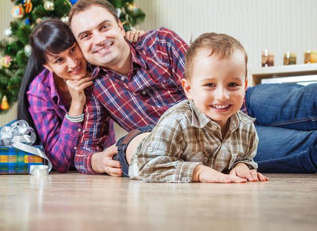 W czasie świątecznych przygotowań znajdź czas dla rodziny /123RF/PICSEL