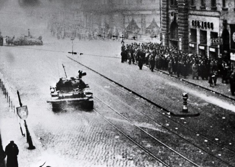 W czasie walk na Węgrzech w 1956 roku zginęło ponad 2500 osób. Po upadku powstania kilkaset osób stracono, a tysiące uwięziono /AFP
