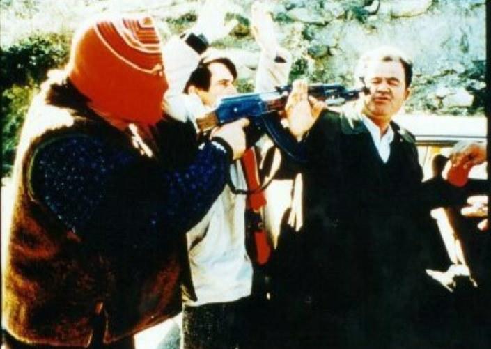 W czasie wojny domowej w Kosowie mafia siłą przejęła wiele interesów /YouTube