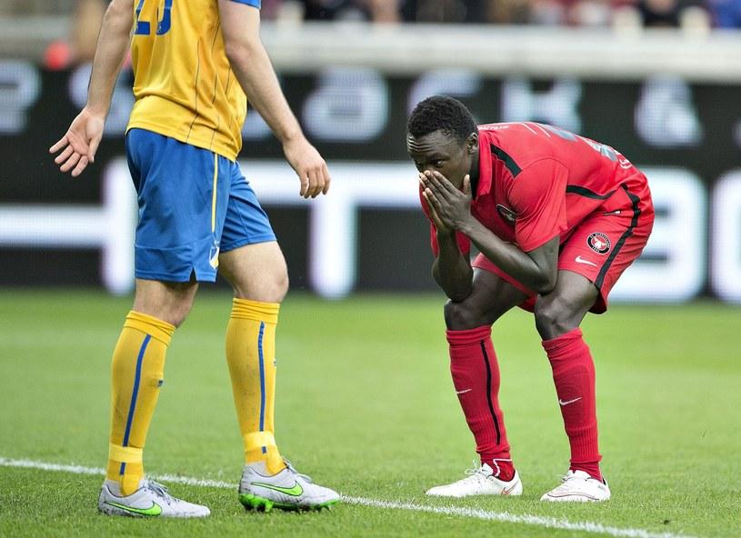 W czerwonym stroju piłkarz Midtjylland - Pione Sisto /AFP