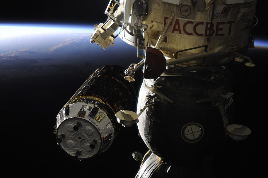 W czwartek do ISS zacumowała japoński bezzałogowy statek zaopatrzeniowy /ROSCOSMOS  /PAP/EPA