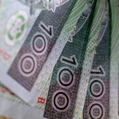 W czwartek na otwarciu polska waluta nieznacznie się osłabia /© Bauer