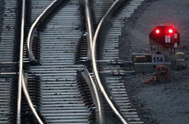 W czwartek pociągi nie pojadą przez Czechy /AFP