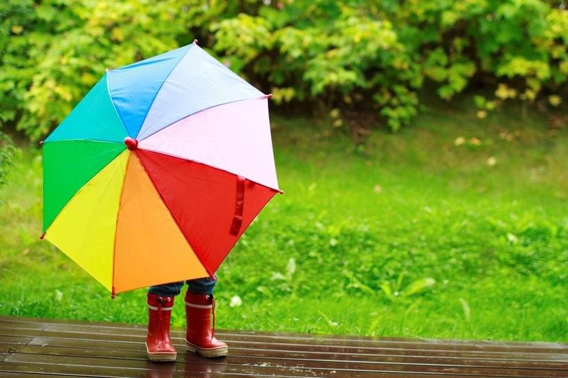W czwartek warto zabrać ze sobą parasol /123RF/PICSEL