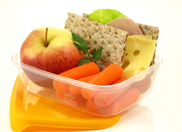 W czym najlepiej przechowywać jedzenie? /123RF/PICSEL