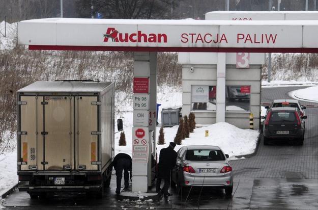 W czym tkwi tajemnica tanich stacji? / Fot: Włodzimierz Wasyluk /Reporter