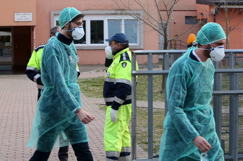 W Danii i Estonii potwierdzono pierwsze przypadki koronawirusa /NICOLA FOSSELLA /AFP