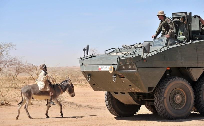 W Darfurze i sąsiednim Czadzie służą liczne oddziały ONZ, w tym polski kontyngent /PHILIPPE HUGUEN /East News