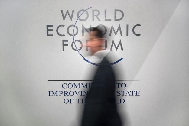 W Davos zauważono wpływ nierówności społecznych na gospodarkę /PAP