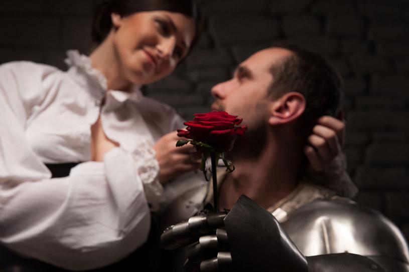 W dawnych czasach małżeństw raczej nie zawierano z miłości... /123RF/PICSEL
