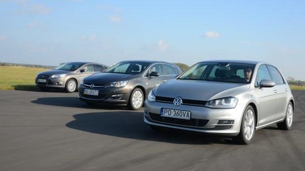 W designie Focusa i Golfa dominują zdecydowane linie, na ich tle Astra wyróżnia się obłościami. /Motor