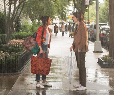 """""""W deszczowy dzień w Nowym Jorku"""": Kręte losy komedii Woody'ego Allena"""