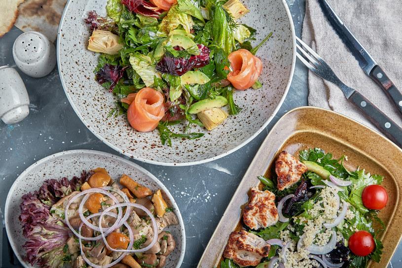 W diecie fleksitariańskiej część mięsa w posiłkach zastępuje się warzywami, owocami, roślinami strączkowymi i orzechami. Nie ma tu radykalnych zakazów ani ścisłych zasad, w jakich proporcjach powinny występować składniki /123RF/PICSEL