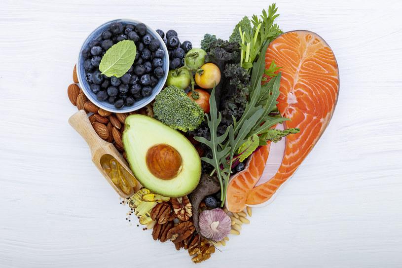 W diecie sercowca powinny znaleźć się produkty bogate w błonnik /123RF/PICSEL