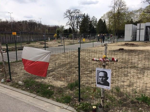 W dołach śmierci na Łączce pogrzebano prawdopodobnie ponad 200 osób /Mariusz PIekarski /RMF FM