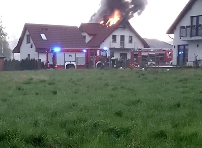 W dom jednorodzinny w miejscowości Szczytna uderzył piorun /facebook.com