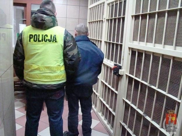 W drodze do pracy zatrzymał poszukiwanego przestępcę /Policja
