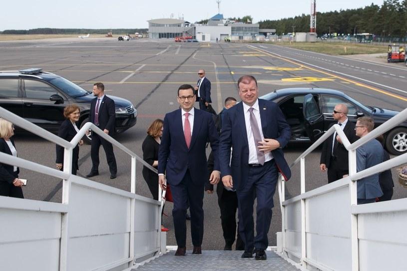W drodze na szczyt państw bałtyckich premier Mateusz Morawiecki po wizycie w Możejkach zabrał premiera Litwy na pokład naszego rządowego samolotu /KPRM /