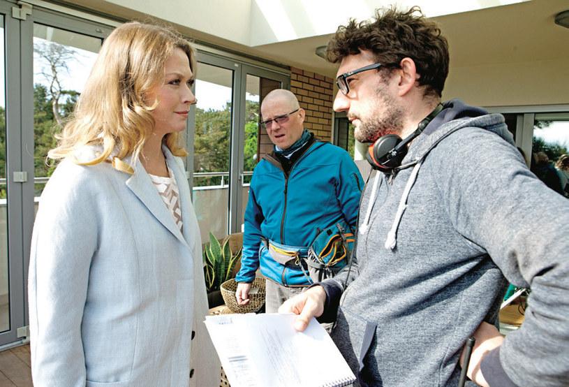 W drugim sezonie na fotelu reżyserskim Grega Zglińskiego zastąpił Sławomir Fabicki. Tu udziela wskazówek Tamarze Arciuch /Świat Seriali