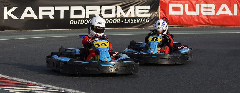 W Dubai Autodrome można ścigać się gokartami oraz siąść za kierownicą samochodu Formuły 1 /materiały prasowe