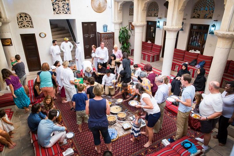 W Dubaju warto odwiedzić meczet Jumeirah prowadzony przez Centrum Porozumienia Kulturowego im. Szejka Mohammeda /materiały promocyjne /materiały promocyjne