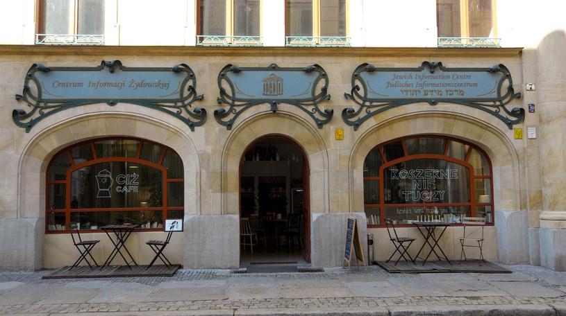 W Dzielnicy Żydowskiej nadal działa wiele kawiarni i restauracji /Styl.pl