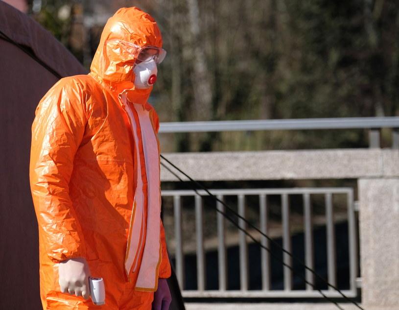 W Dzienniku Ustaw opublikowano rozporządzenie ws. wprowadzenia stanu epidemii w Polsce / Andrzej Grygiel    /PAP