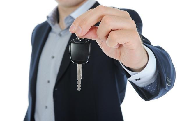 W dzisiejszych czasach sprzedaż samochodu to dość powszechna transakcja /© Panthermedia